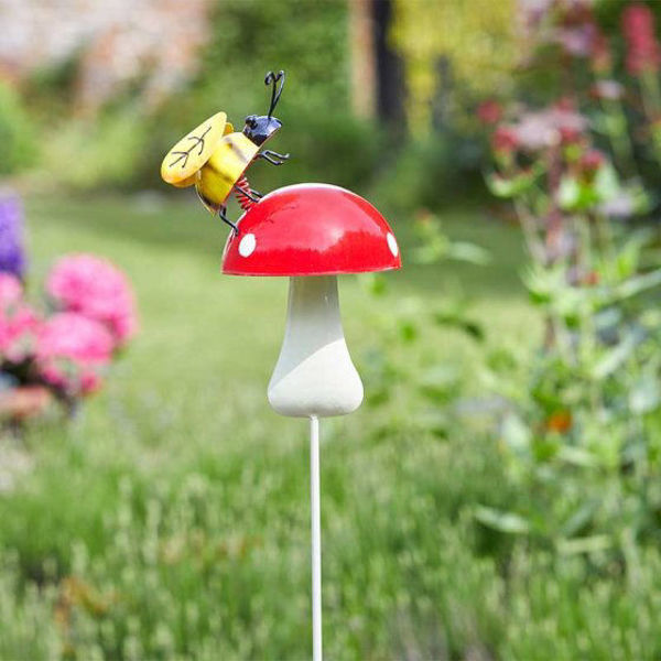 Picture of SHROOM BUG STAKES